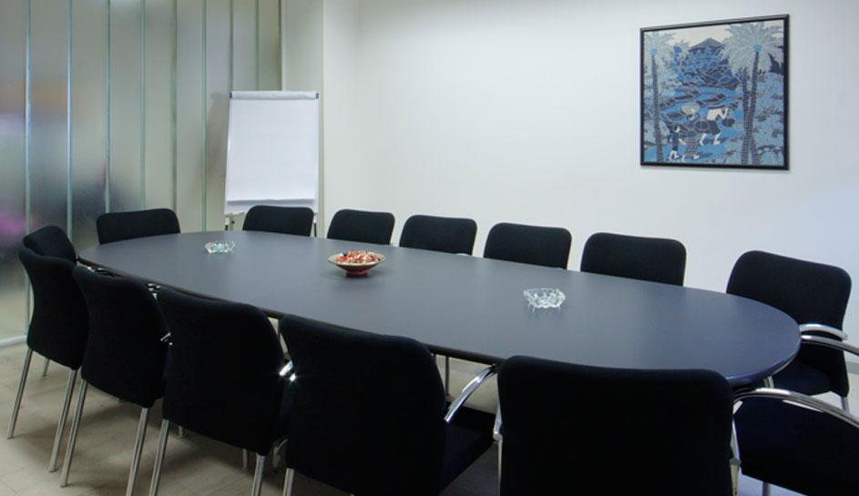 Sala riunioni uffici arredati bologna for Sala riunioni